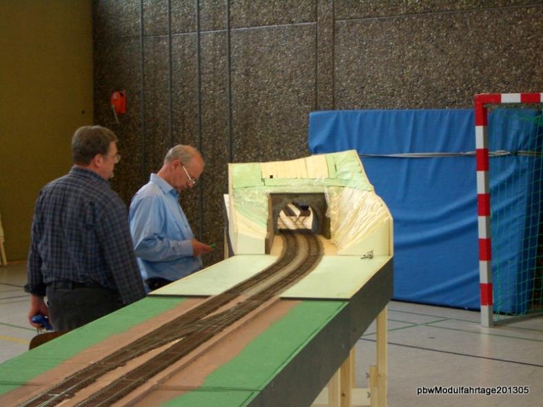 Abb:  durch den Wehrdener Tunnel in den Abstellbahnhof
