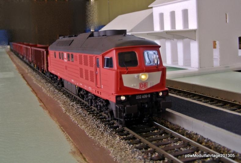 Abb: BR 232 mit einem Ganzzug