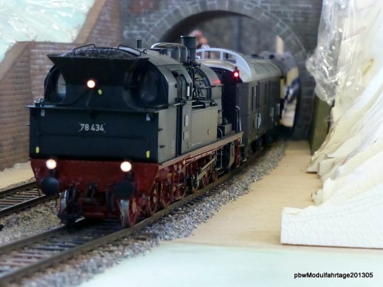 Abb: BR 78 bei der Ausfahrt aus dem Wehrdener Tunnel