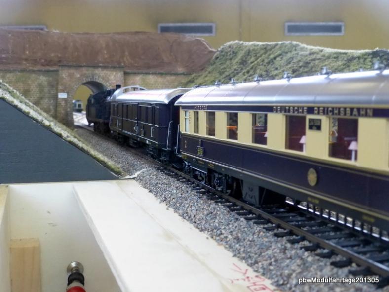 Abb: Rheingold bei der Einfahrt in den Spitzeich Tunnel