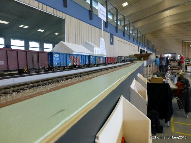 Abb: nun kommt der Kesselwagenteil des 22 m Zuges