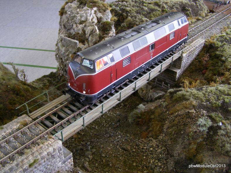 Spur0 BR221 Muoter Stein Brücke