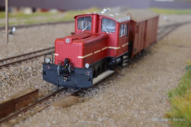 Abb5:Die Zuglok inkl. Pufferwagen für die Zuckerrüben....