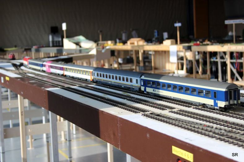 Abb. 55: in Sternberg macht der EC 109 kopf und wartet auf die neue Zuglok