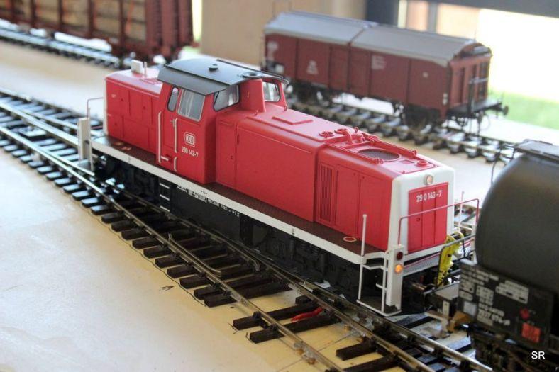 Abb.56a: Die 290 ddd hat mir ihrem Kesselwagenzug Sternberg erreicht